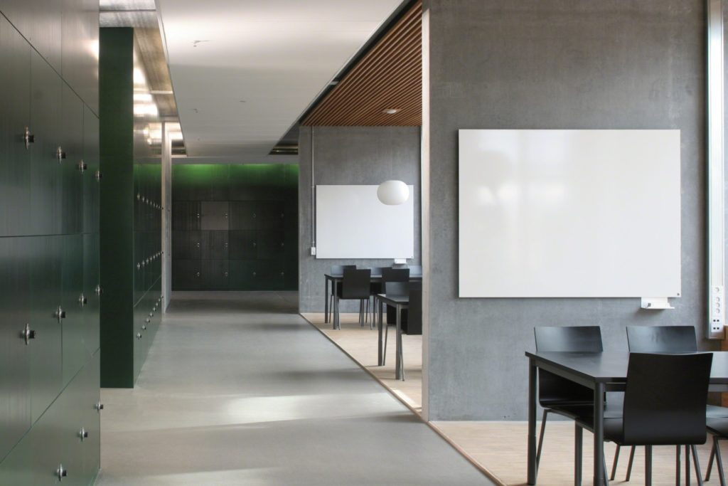 Meeting areas with whiteboards on the walls